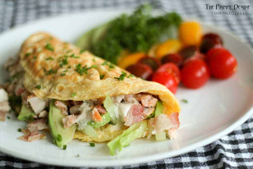 Chicken Bacon Ranch Omelett {by The Primal Desire}