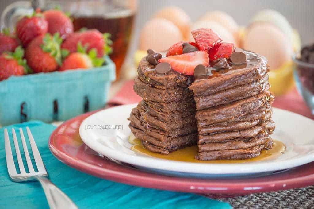 Chocolate Protein Pancakes {grain-free; dairy-free; nut-free}