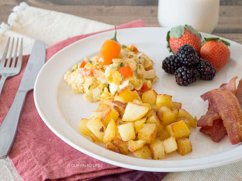 Fiesta Eggs & Country Potatoes {Whole30}