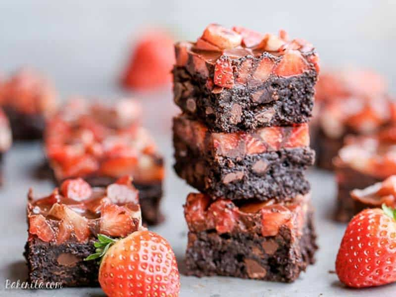 Chocolate Covered Strawberry Brownies | Bakerita