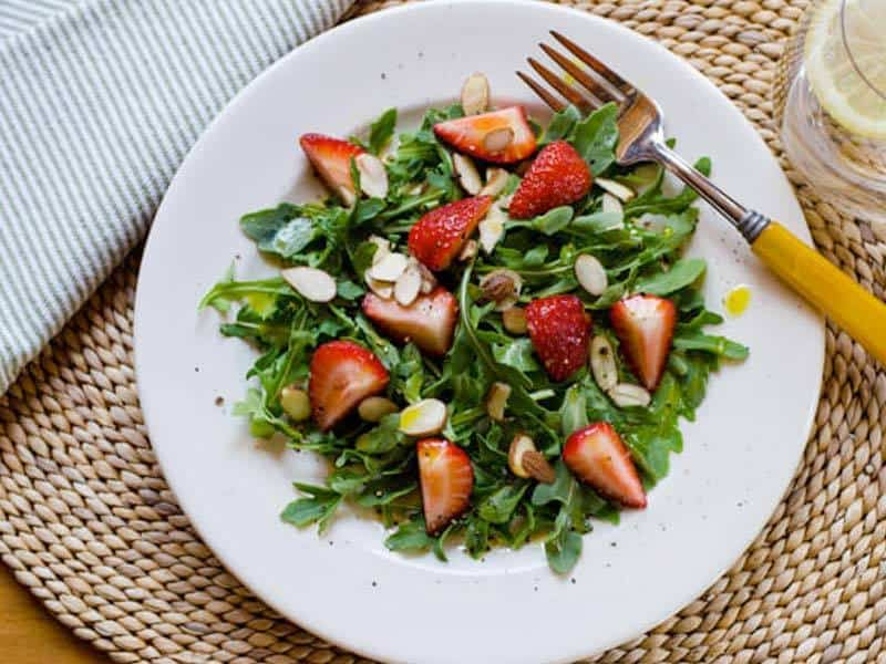Arugula Strawberry Salad | Cook Eat Paleo