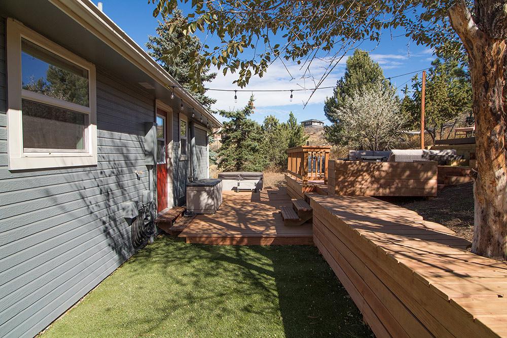 Backyard Deck Complex
