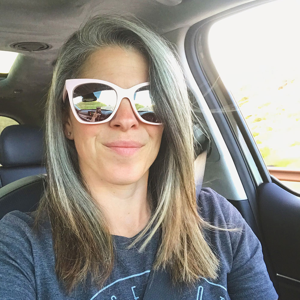 My Experience Transitioning to Natural Gray Hair