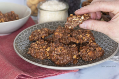 Keto No-Bake Chocolate Cookies