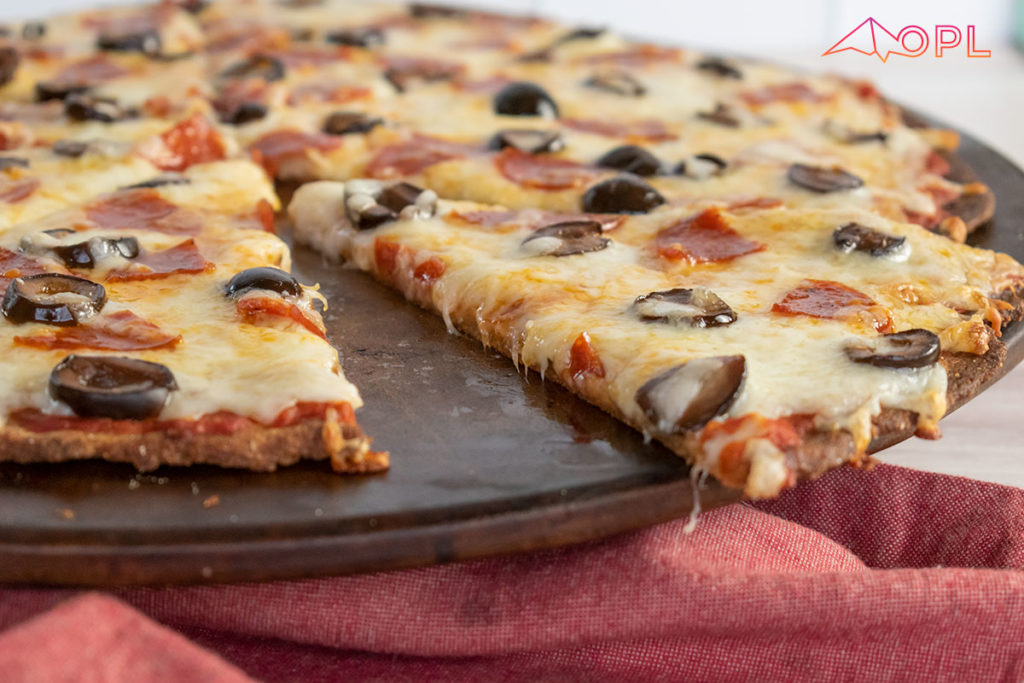 Low-Carb Thin-Crust Pizza {dairy-free}